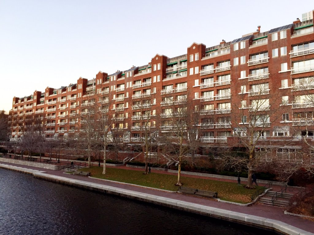 Thomas Graves Landing Condominiums